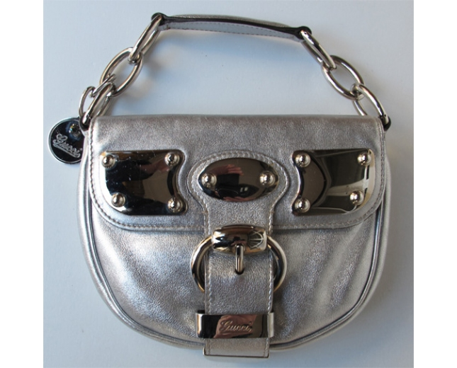 Gucci Clutch plata